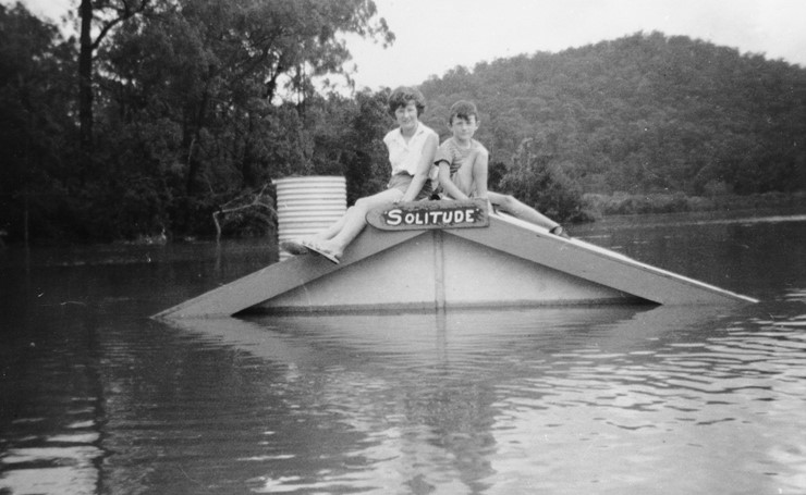 Stranded on roof (November 1961) - Photo courtesy Barry Gibbs collection Hawkesbury City Council Library Service